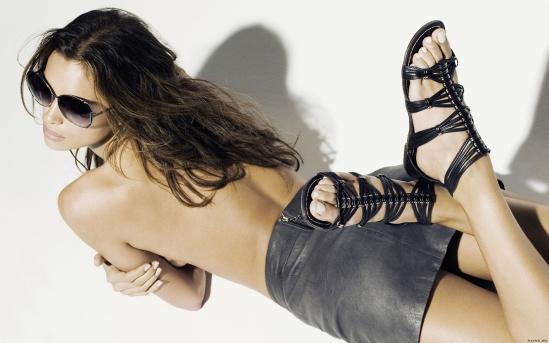 Irina-Shayk-Feet-379060