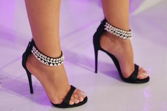 Eliana-Feet-1027821