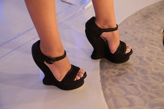 Eliana-Feet-1027824