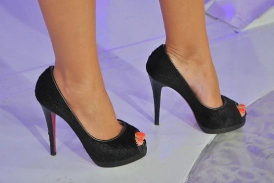 Eliana-Feet-1027825