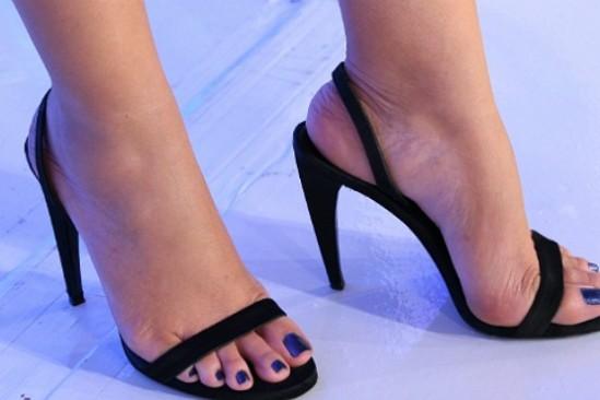Eliana-Feet-692410