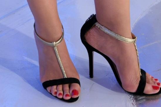 Eliana-Feet-710121