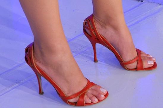 Eliana-Feet-776263