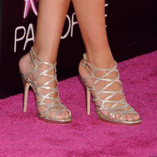 Selena-Gomez-Feet-728348