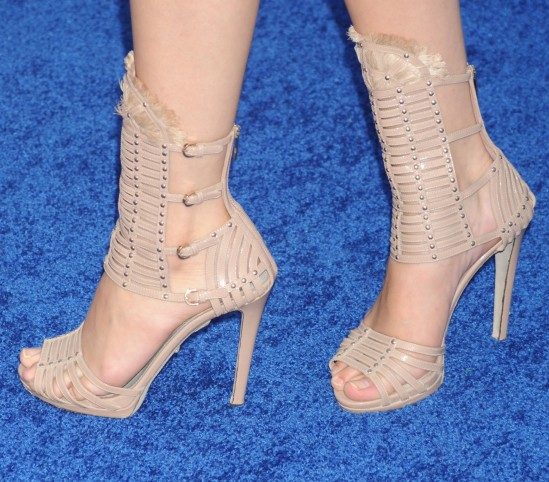 Selena-Gomez-Feet-768596