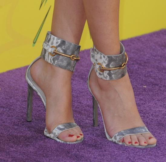 Selena-Gomez-Feet-947844