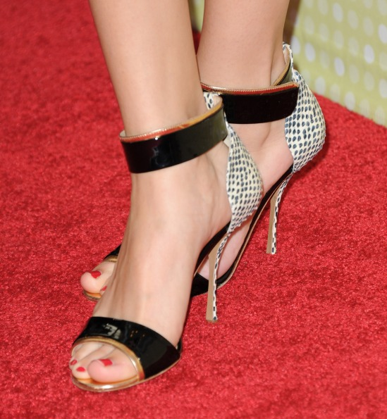 Selena-Gomez-Feet-980598