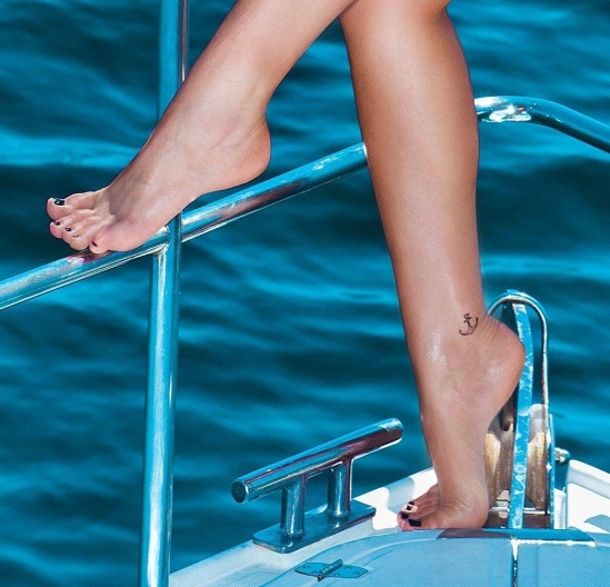 Bruna-Marquezine-Feet-1328527