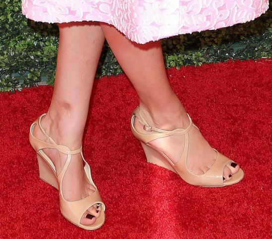 Kaley-Cuoco-Feet-985628