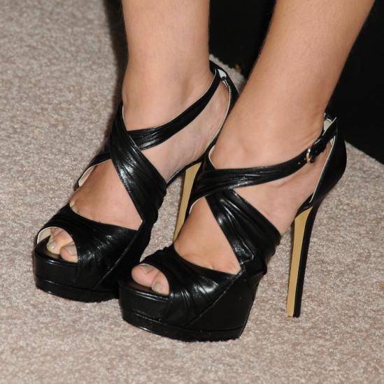 Mayim-Bialik-Feet-1108385
