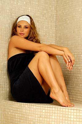 Paola-Oliveira-Feet-212806
