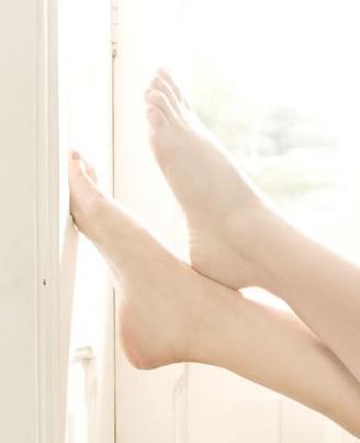 Paola-Oliveira-Feet-901863