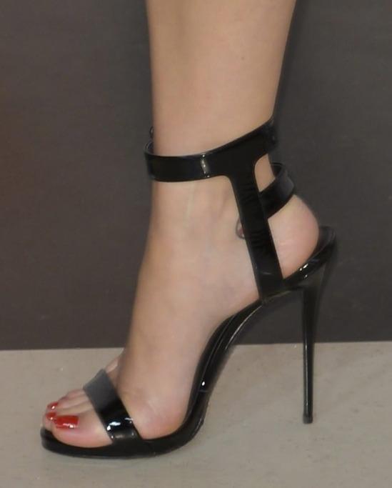 Katy-Perry-Feet-1900411