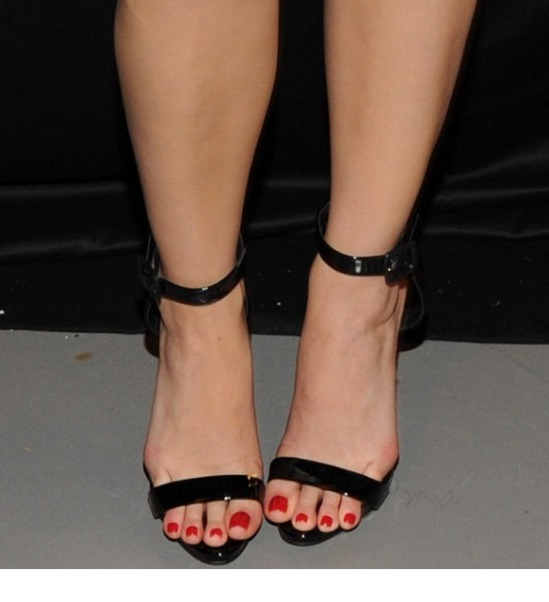 Katy-Perry-Feet-1900413