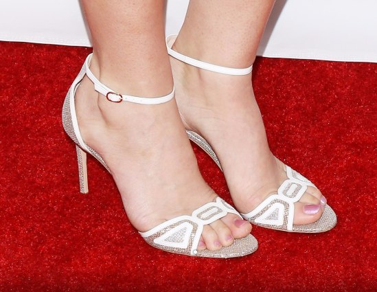 Lana-Del-Rey-Feet-2123353