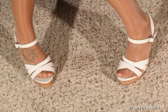 jojo-kiss-feet-2112629