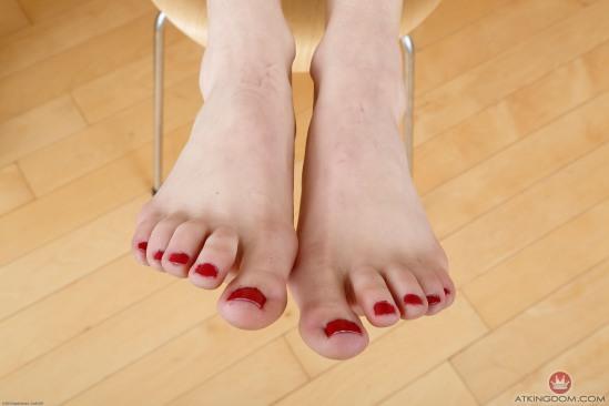 kristen-scott-feet-2149563