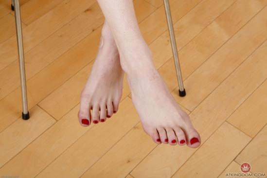 kristen-scott-feet-2149570