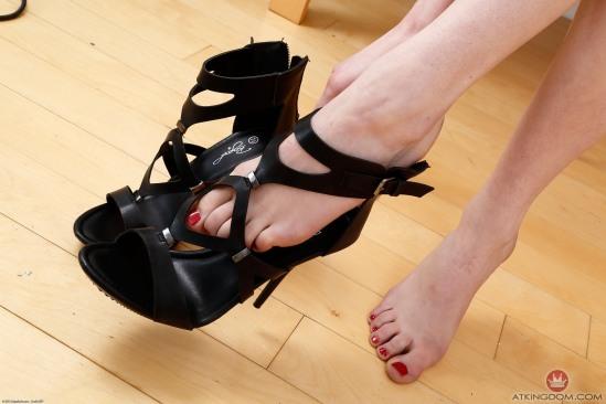 kristen-scott-feet-2149578