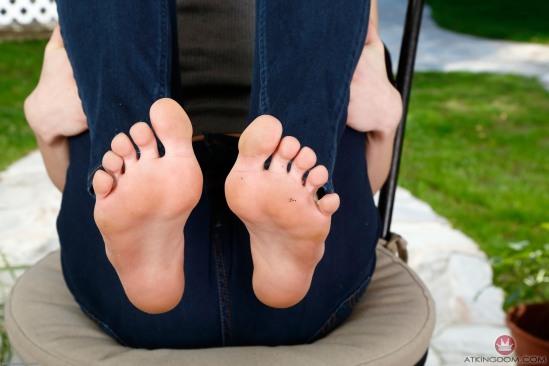 kristen-scott-feet-2149617