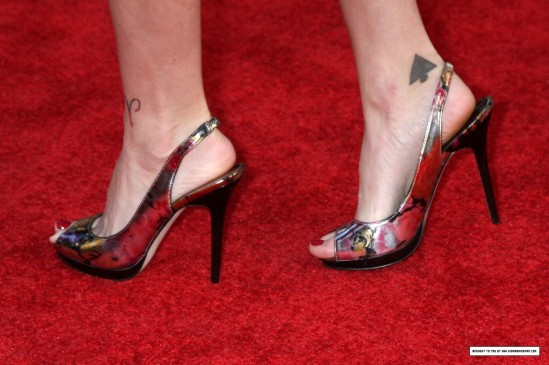 Diora-Baird-Feet-1054373