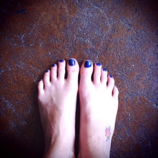 Diora-Baird-Feet-412524