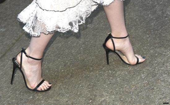 emma-stone-feet-2477875