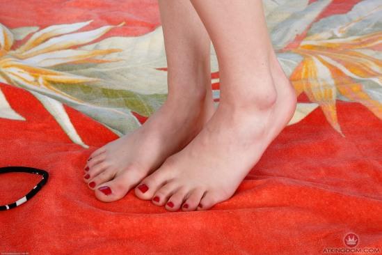 Kristen-Scott-Feet-2149621