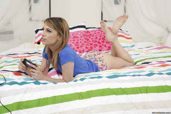 Kristen-Scott-Feet-2446384