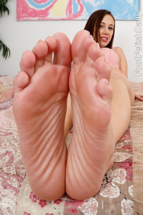 Jenna-Sativa-Feet-1802044