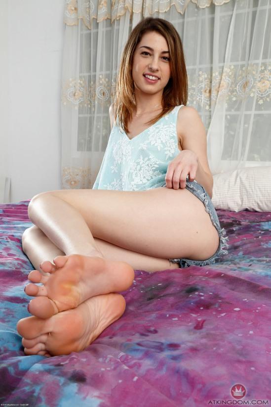 Kristen-Scott-Feet-2211016