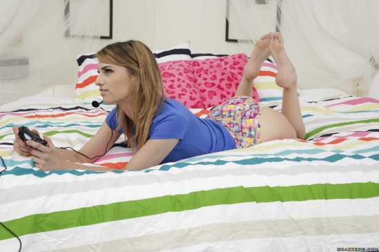 Kristen-Scott-Feet-2446381