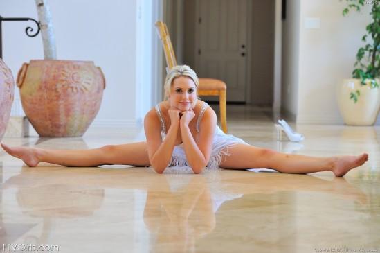 Mia-Malkova-Feet-2437477