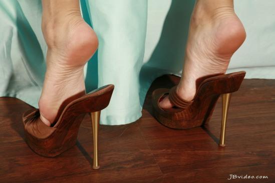 Sunny-Leone-Feet-2271357