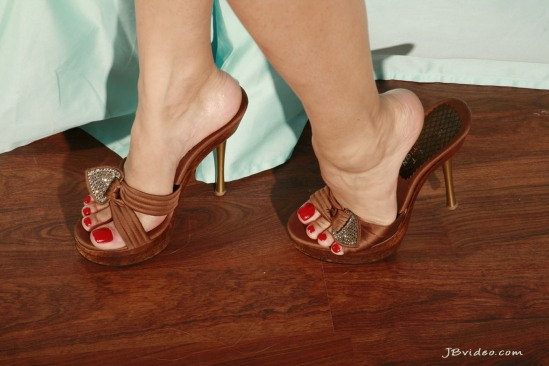 Sunny-Leone-Feet-2271359