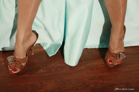 Sunny-Leone-Feet-2271365