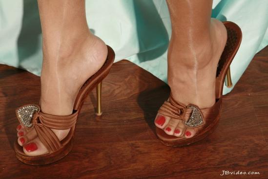 Sunny-Leone-Feet-2271376