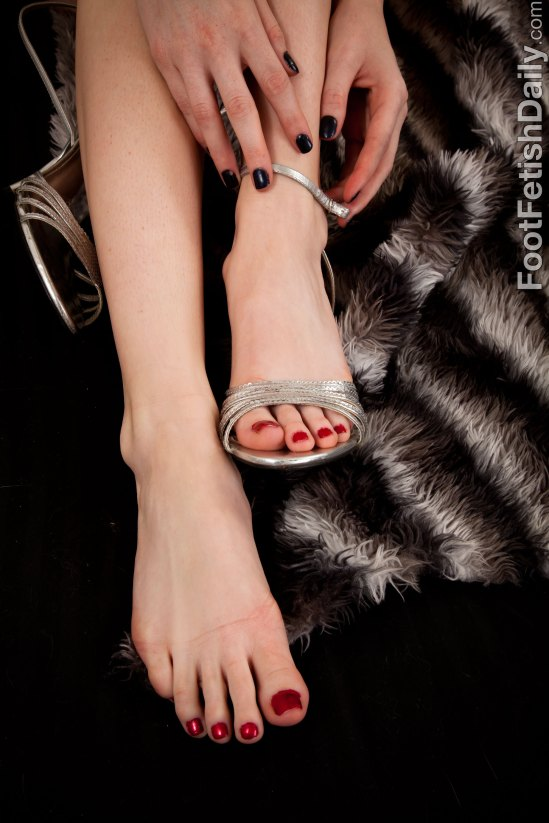 Faye-Reagan-Feet-2372152