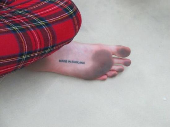 Cara-Delevingne-Feet-1715384