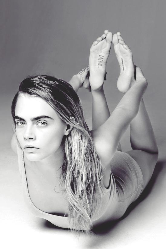 Cara-Delevingne-Feet-2239217