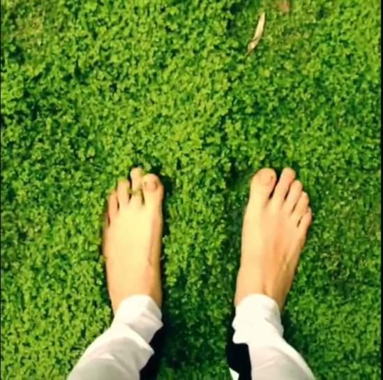 Cara-Delevingne-Feet-2881212