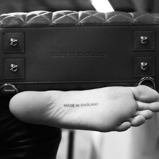 Cara-Delevingne-Feet-3097703